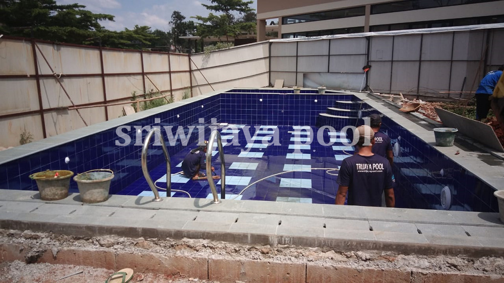 Jasa Pembuatan Kolam Renang Hotel Palembang
